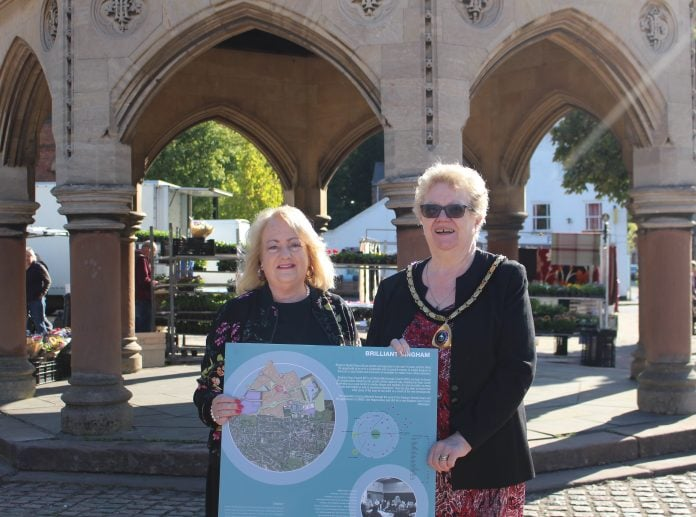 Cllr Debbie Mason and Bingham Town Council Mayor Cllr Jane Costello