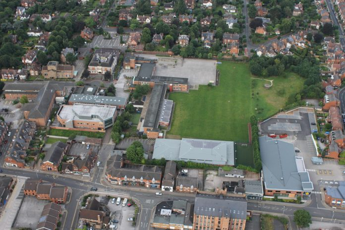 Beeston - Round Hill Primary School, Foster Ave. Far LHS is Broxtowe offices & Beeston library. Wollaton Rd at bottom - photo Robin Macey.
