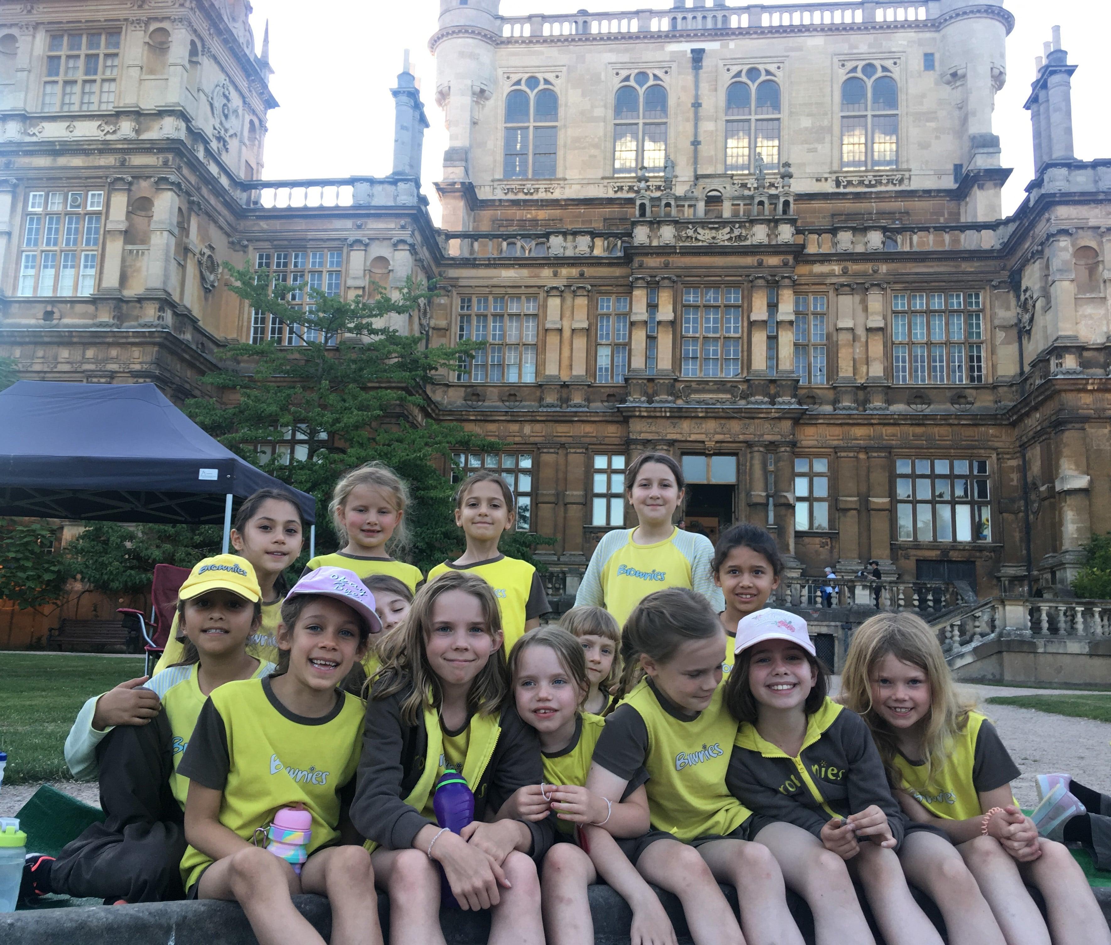 E. 2nd Wollaton Brownies enjoying the adventure at Wollaton Hall.