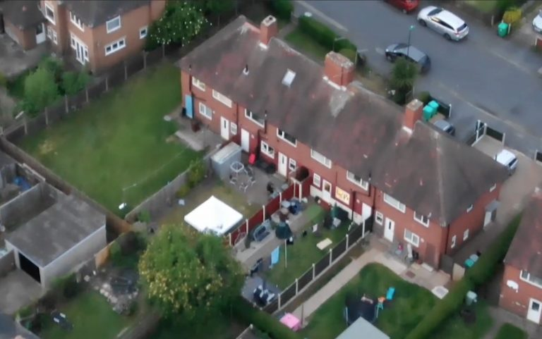 Video: Amazing drone footage shows police chasing suspect through Nottingham gardens
