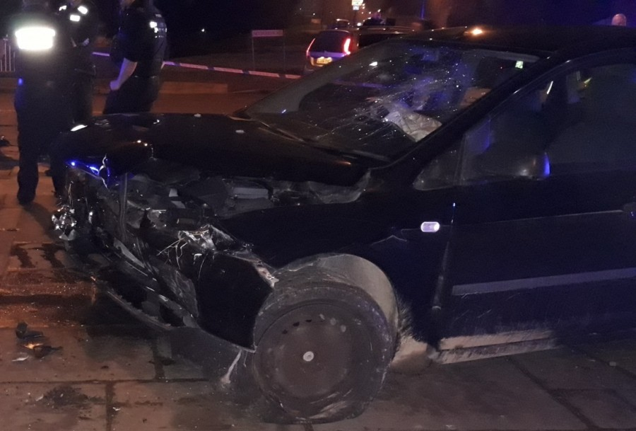 Damage to the suspect vehicle in situ