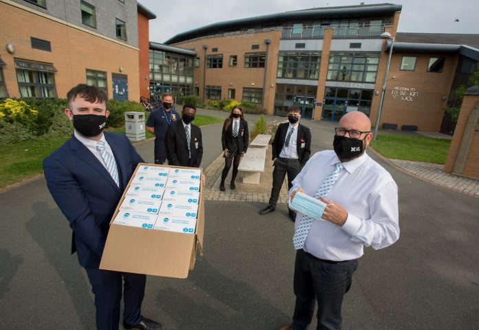 UK Meds donates masks