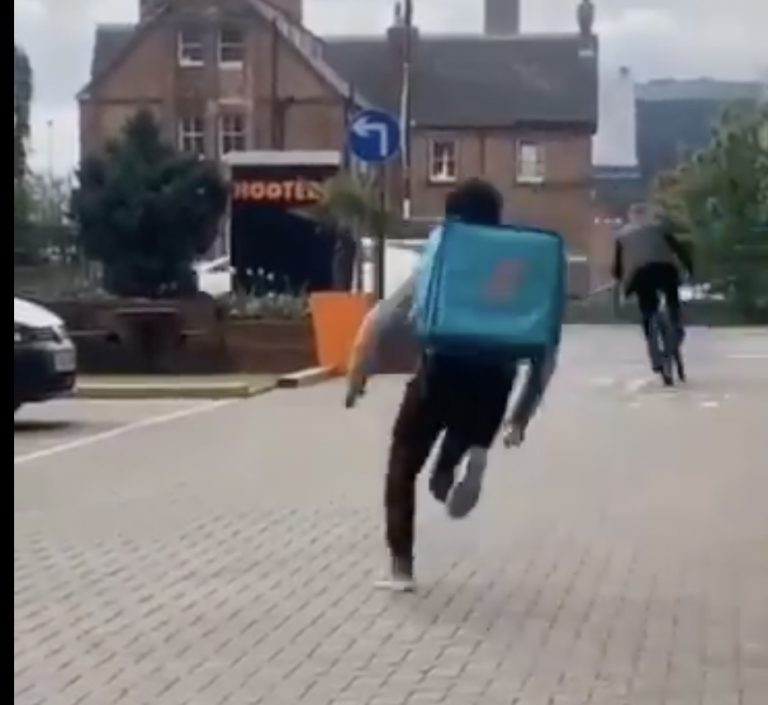 Video: Footage catches Deliveroo rider's bike being stolen in Nottingham